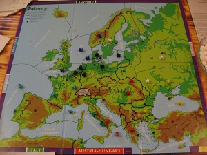 Diplomacy: Game 1 - Round 1 (Foto: condredge unter CC BY-SA 2.0)